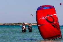 Hiring kitesurf instructors at SIROKO